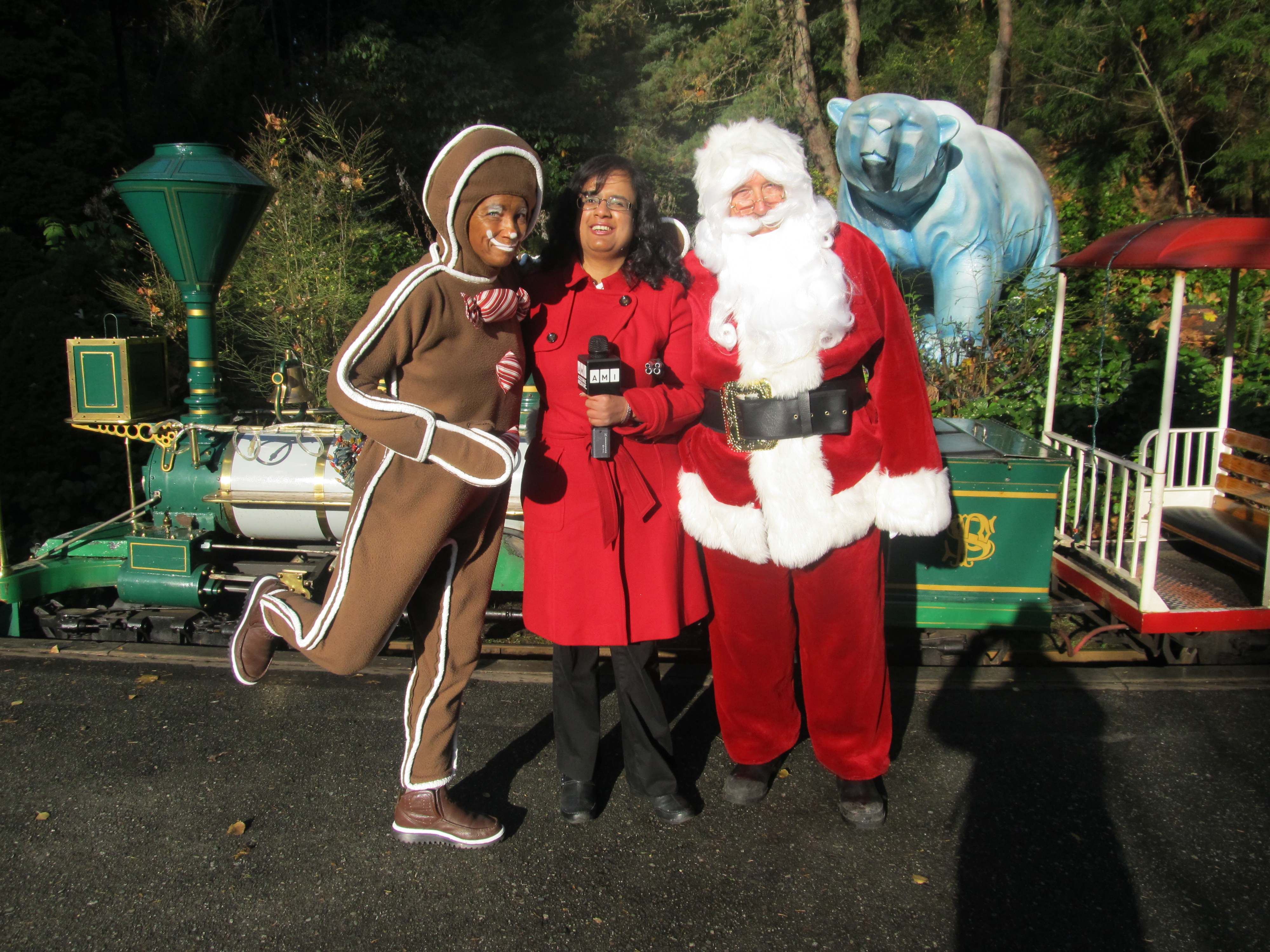 Kristy with Santa and Gingy